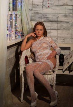 Сексуальная девушка из Нижнего Тагила ищет мужчину для незабываемых встреч